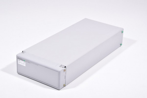MN7464A, Anritsu Filtereinheit / filter unit - 2140/1950MHz, SN:6200521901