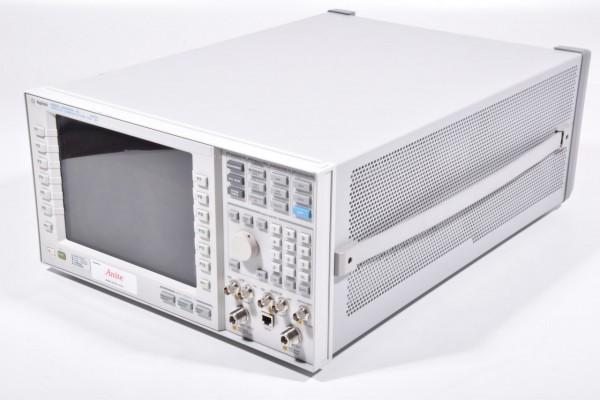AGILENT E5515C, Wireless Communications Test Set + Options S/N: GB44400309