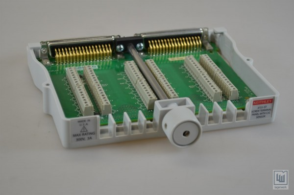 Screw Terminal Block (required for auto CJC thermocouple measurements) 3721-ST
