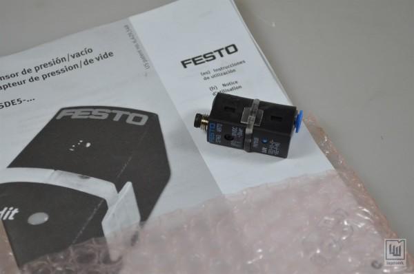 Festo, SDE5-V1-0-Q6E-P-M8, 527461, SDE5 Drucksensor / pressure sensor