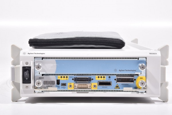 AGILENT N5302A, tragbares 2-Slot Chassis Test System mit Kabel SN:MY50514303
